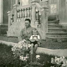 Opa Pancho ( Franz Sams ) y su hijo Manfred Sams en Casona Santa Marta